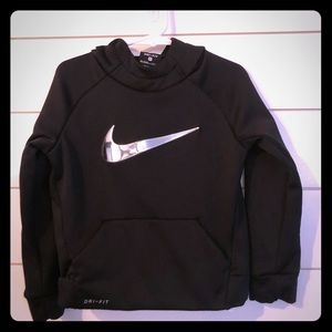 Nike toddler therma-fit pullover hoodie
